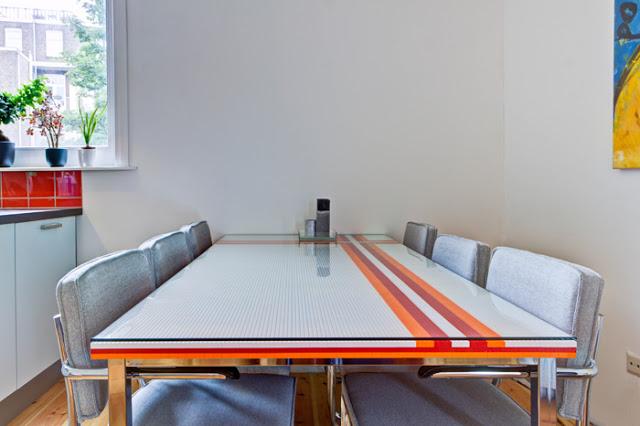 table avec des légos